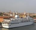 Aegean-Odyssey_at_San_Basilio_Port_in_Venice